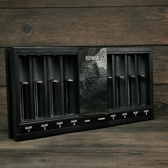 Зарядное устройство Efest LUC V8 | оригинал