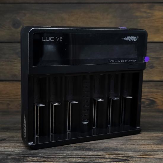 Зарядное устройство Efest LUC V6 (с блоком питания)   оригинал